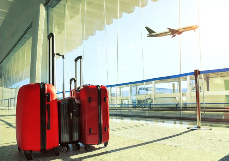 Bagagens em aeroporto.